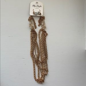 Chain necklace with matching earrings